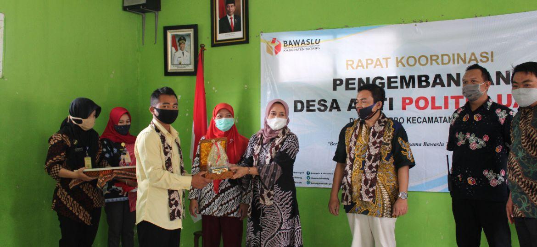 Launching Desa Anti Politik Uang di Purbo (2)